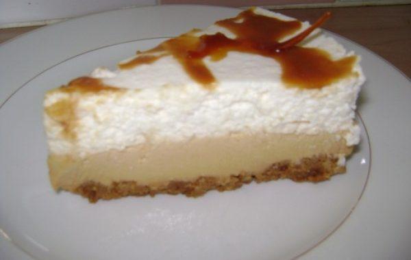 Bavarois aux poires, caramel au beurre salée sur lit de spéculos