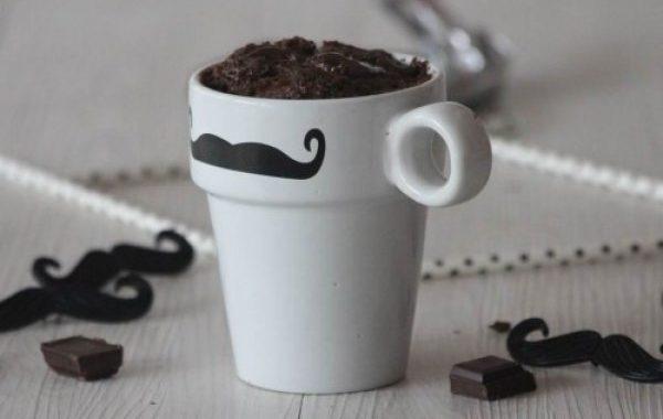 Mugcake aux pépites de chocolat (recette au micro-ondes)