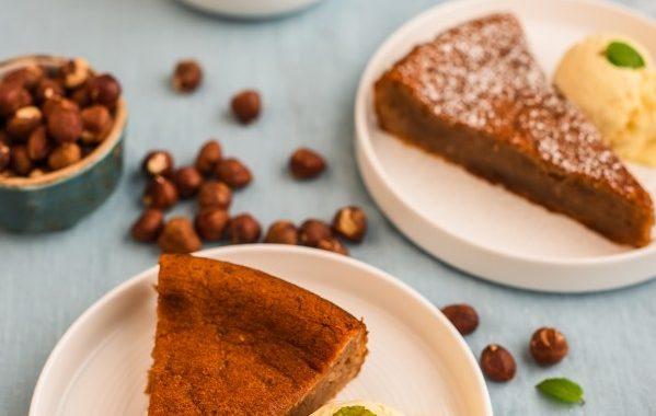 Gâteau de farine de chataigne, noisettes et chocolat