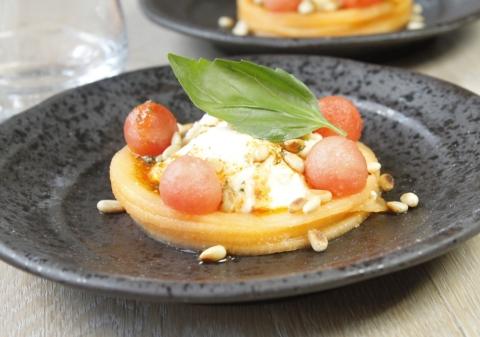 Burrata au melon et pastèque vinaigrette à l'italienne