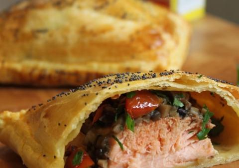 Feuilletés de saumon aux champignons de Paris ail persil