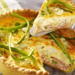 Salade d'endives au jambon, noix et billes de fromage de chèvre