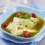Ravioles ricotta basilic bouillon méditérannéen
