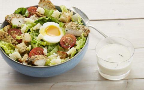 Salade césar et poulet grillé - Recettes Cooking