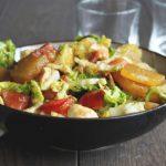 Salade de pommes de terre lardons tomate et mozzarella