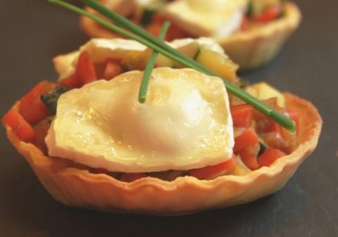 Tartelettes aux légumes et camembert
