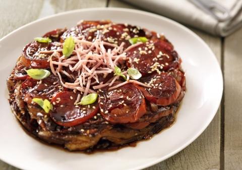 Tatin aux tomates caramélisées au vinaigre balsamique, râpé de jambon