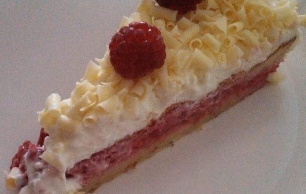 L'Edelweiss framboise du hobbit (gâteau crème et framboises)