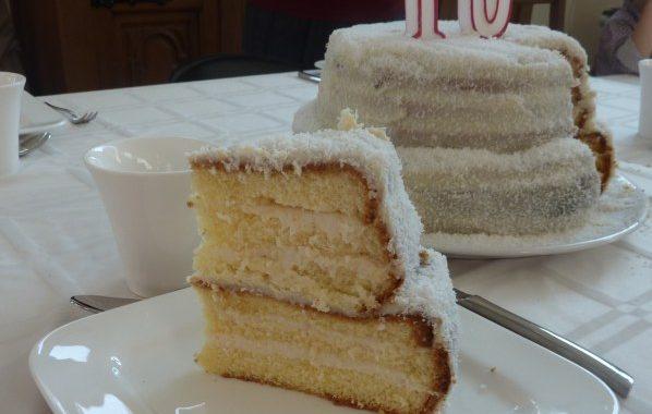 Gâteau fourré à la crème de coco