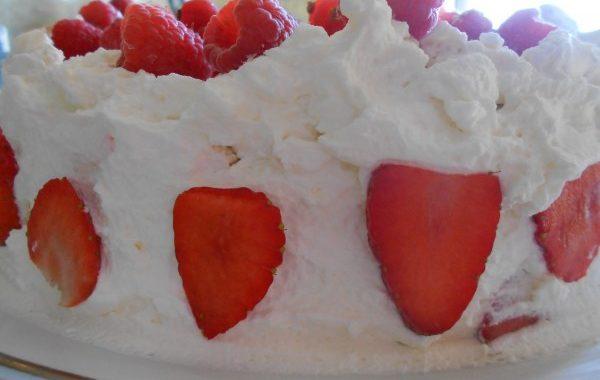 Biscuit meringué aux fraises