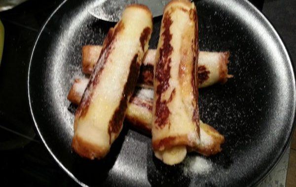 Rouleaux de pain perdu à la banane