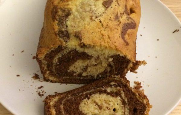 Cake marbré aux deux chocolats (noir et blanc)