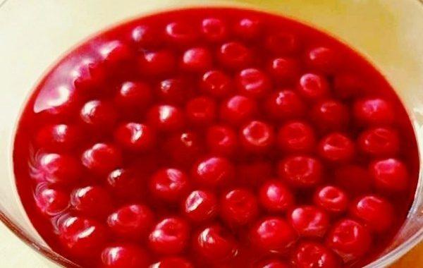 Cerises au vin rouge