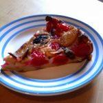 Clafoutis à la cerise, pommes et pruneaux