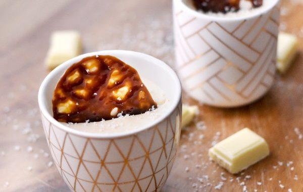 Mousse au chocolat blanc et tuiles carambar