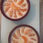 Mandarine à la mousse glacée de chocolat blanc
