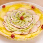 Tarte crème pâtissière et carpaccio de fruits