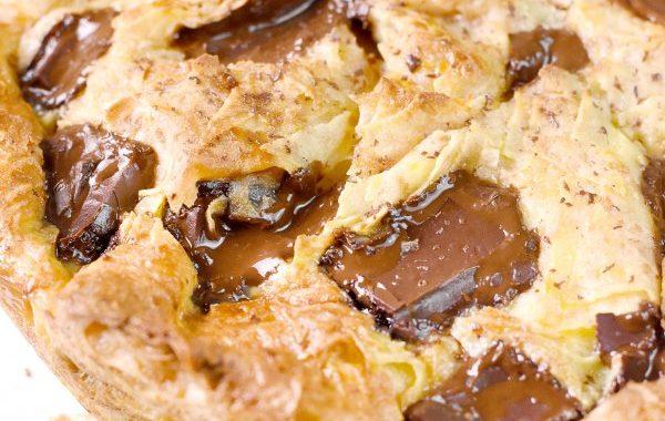 Pudding de crêpes aux carrés de chocolat