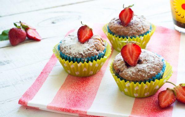 Muffins aux fraises (sans beurre, sans lait)