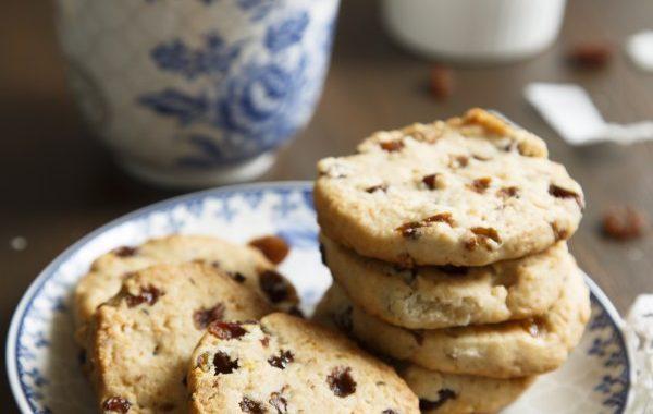 Cookies de Noël aux raisins et à la cannelle