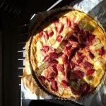 Tarte à la la rhubarbe et aux fraises