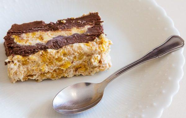 Duo de mousses: chocolat et macarons