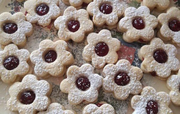 Hilda : petits gâteaux de noël alsaciens fourrés framboise (Hildabredle)
