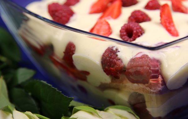 Tiramisu aux fruits rouges très onctueux