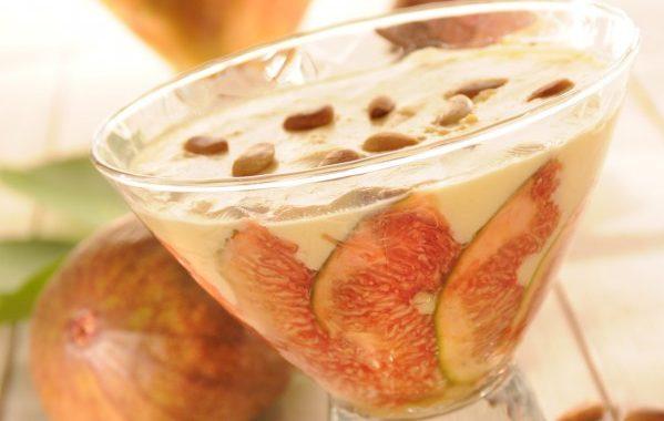 Sabayon aux figues, miel, muscat et pignons
