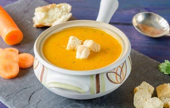 Soupe aux carottes, topinambours et pommes de terre