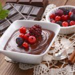 Mousse au chocolat et aux groseilles