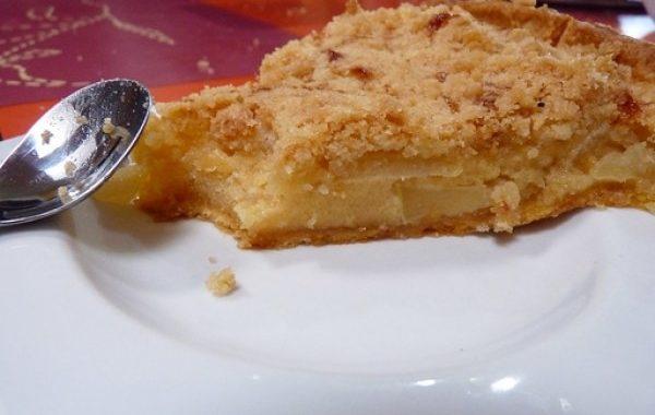 Tarte aux pommes comme un pudding craquant