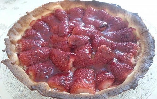 Tarte aux fraises cuites et aux amandes