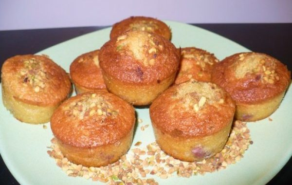 Muffins à la pistache et aux cerises griottes