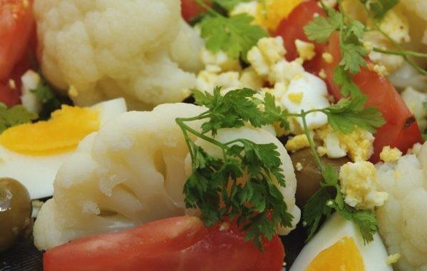 Salade de chou-fleur aux oeufs