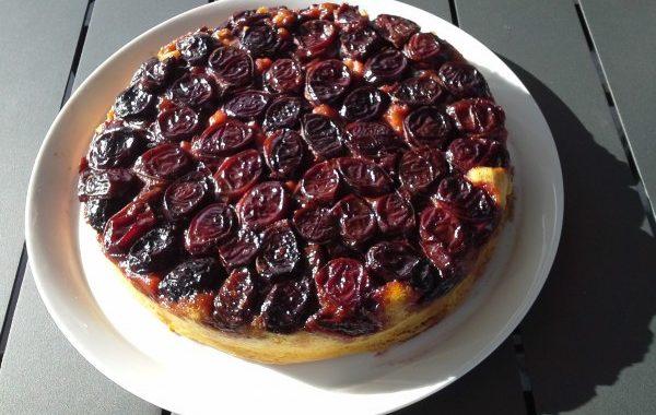 Gâteau renversé aux prunes rouges