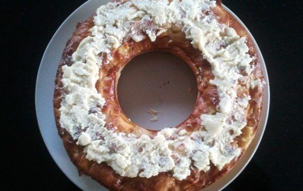 Gâteau au yaourt, pommes et chocolat blanc