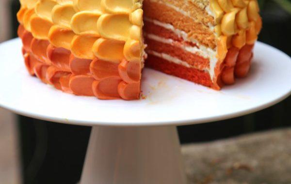 Petal cake ou gâteau décoré de pétales