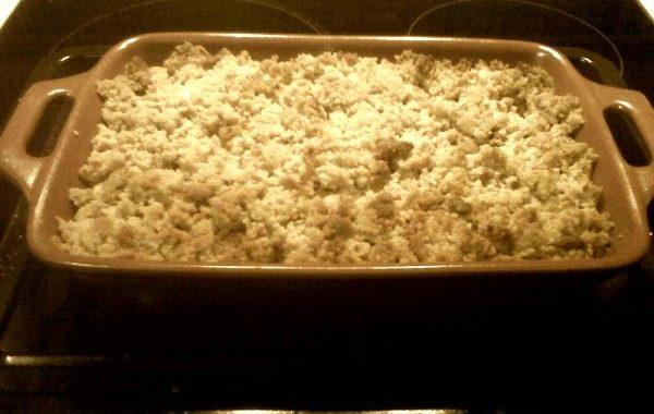 Crumble aux poires et Grand Marnier sur lit de sablé choco-noisette