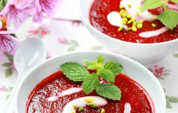 Soupe de pistaches aux fraises