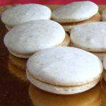 Macarons pignons de pin et confiture de lait